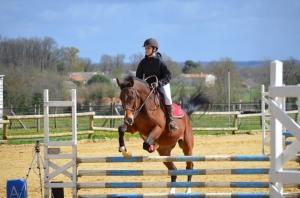 Chloé Joyeux équitation saintes